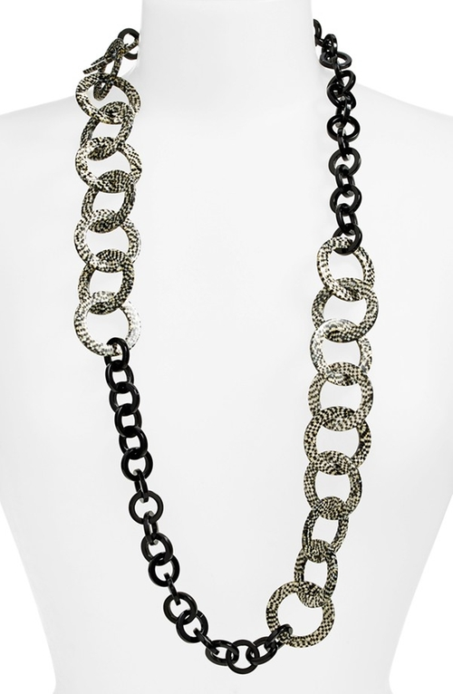'Madison' Link Station Necklace by L. Erickson in The Good Wife - Season 7 Episode 3