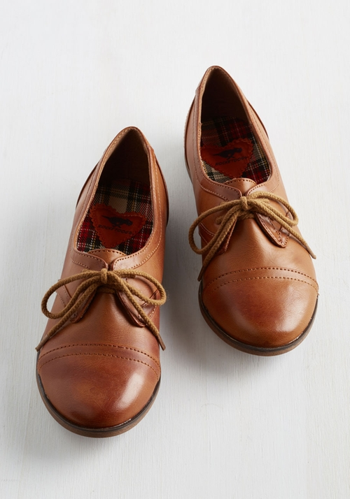 Readily Reliable Flat Oxford Shoes by ModCloth in Pretty Little Liars - Season 6 Episode 2