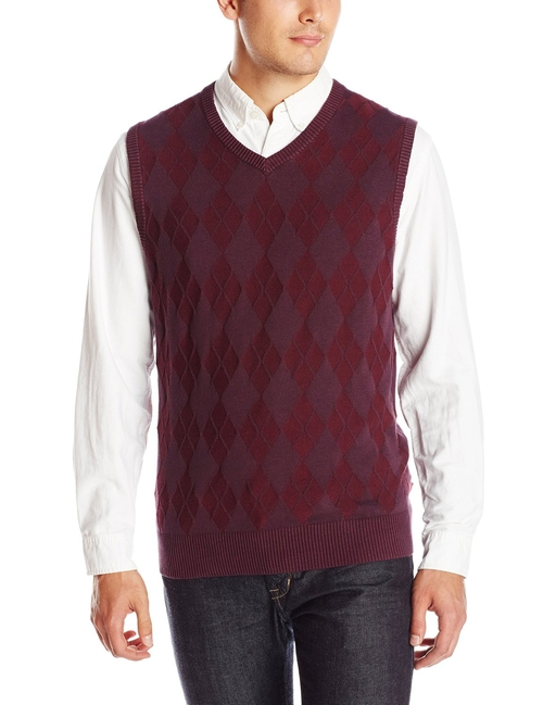 Textured Argyle Sweater Vest by Izod in The Big Bang Theory - Season 9 Episode 12