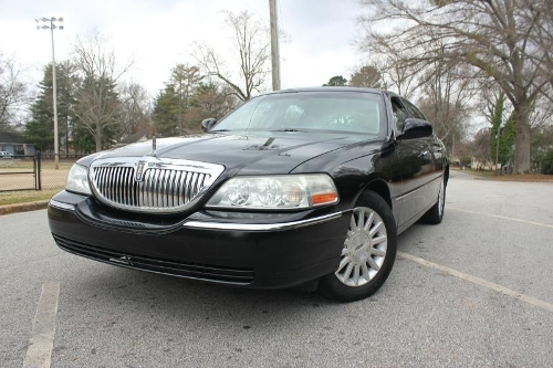 2004 Town Car by Lincoln in Self/Less