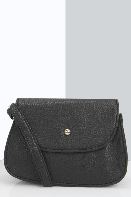 Evelyn Cross Body Bag by Boohoo in The Big Bang Theory - Season 9 Episode 9