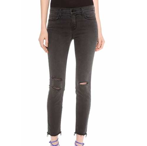 Photo Ready Cropped Mid Rise Skinny Jeans by J Brand in Keeping Up With The Kardashians - Season 12 Episode 12