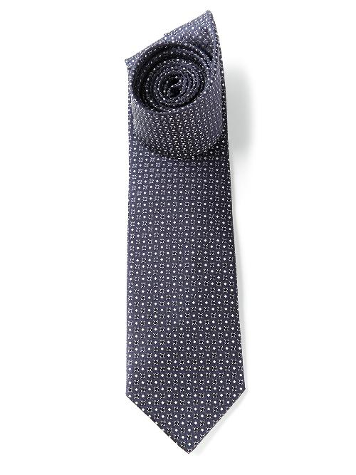 patterned tie by SAINT LAURENT in The Wolf of Wall Street