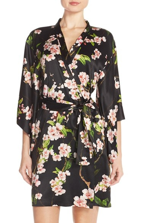 Blossom Floral Charmeuse Robe by Natori in The Good Wife - Season 7 Episode 12
