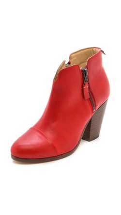 Margot Boots by Rag & Bone in The Mindy Project