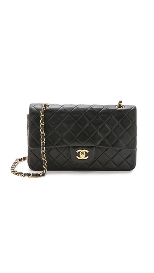 Shoulder Bag by Chanel in The Mindy Project - Season 4 Episode 7