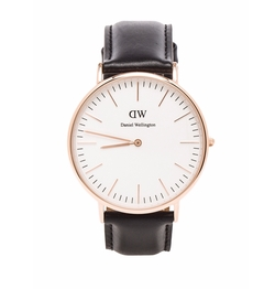 Sheffield Watch by Daniel Wellington in How To Get Away With Murder