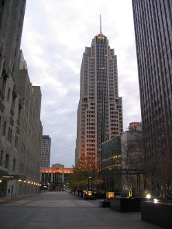 Chicago, Illinois by NBC Tower in The Divergent Series: Insurgent