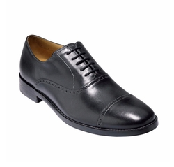 Cambridge Leather Cap Toe Oxford Shoes by Cole Haan in House of Cards