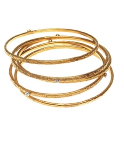 Evelyn Knight Set Of Slim Bangles by Max And Chloe in American Horror Story