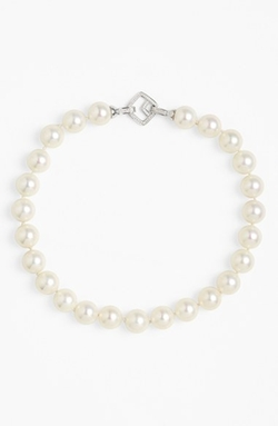 'Indra' Shell Pearl Choker Necklace by Nina in Pretty Little Liars