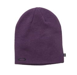 Fine Knit Beanie Hat by Oakley in Daddy's Home 2