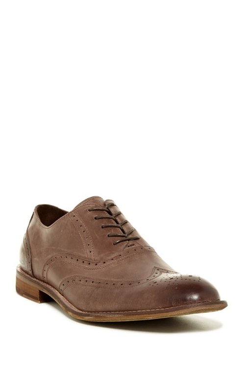 From Scratch Oxford Shoes by Kenneth Cole New York in Scream Queens - Season 1 Episode 1