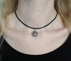 Sun Choker Necklace by Dad in Pretty Little Liars