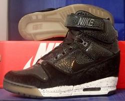 Air Revolution Sky Hi City Pack NYC Sneakers by Nike in Power