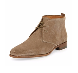 Alberto Suede Chukka Boots by Vince in The Flash