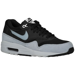Air Max 1 Sneaker by Nike in Pretty Little Liars