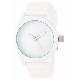 Round Analog Dial Watch by Kenneth Cole Reaction in Unbreakable Kimmy Schmidt
