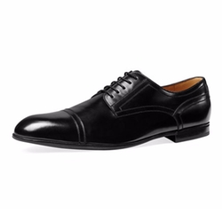 Ravello Leather Oxford Shoes by Gucci in House of Cards