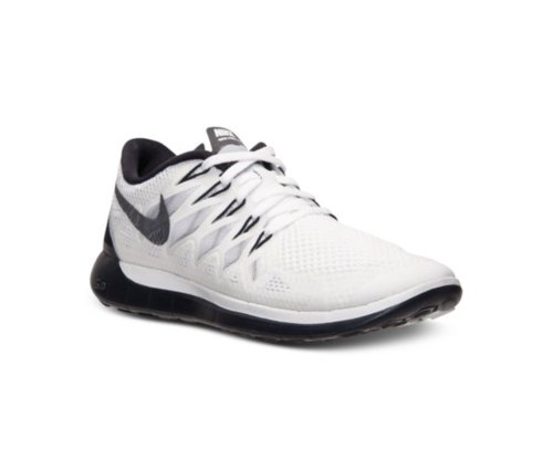 Free 5.0 2014 Running Sneakers by Nike in Pitch Perfect 2
