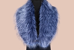 Faux Fox Fur Scarf by We Shop in Scream Queens