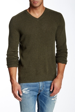 Castlerock Cashmere V-Neck Sweater by Bonobos in New Girl
