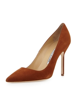 BB Suede Pumps by Manolo in Suits