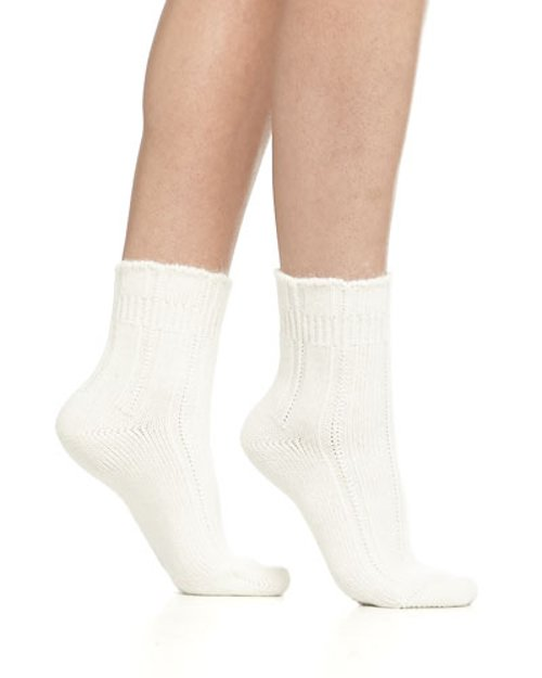 Cashmere-Blend Cozy Ruffled Bedsocks by Falke in If I Stay