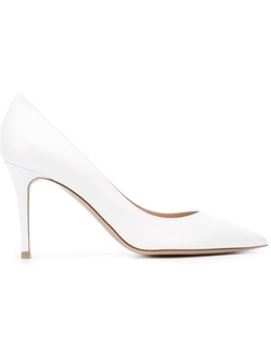 Business Pumps by Gianvito Rossi in Scream Queens