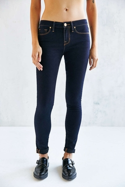 Twig Mid Rise Jeans by BDG in Easy A