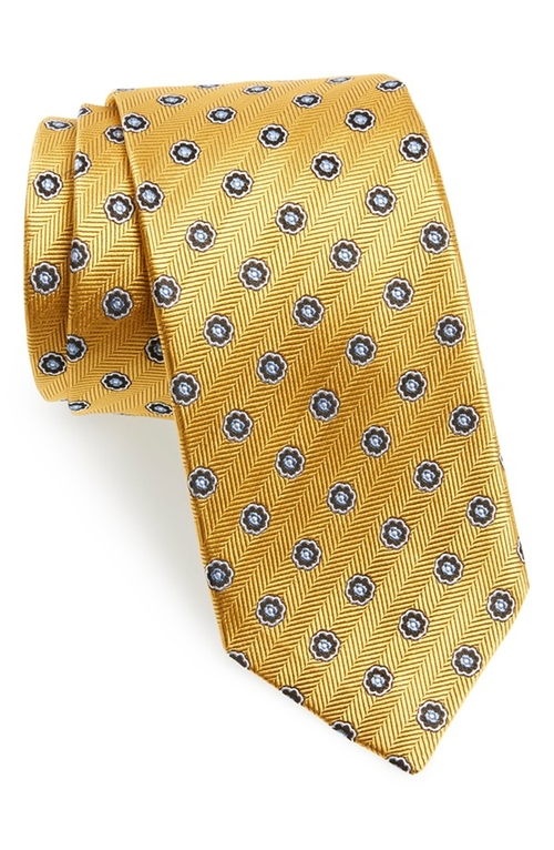 Medallion Silk Tie by J.Z. Richards in Elementary - Season 4 Episode 3