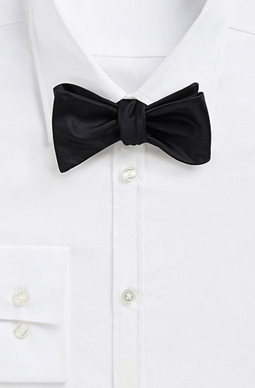 Silk Solid Bow Tie by Boss Hugo Boss in The Purge: Anarchy