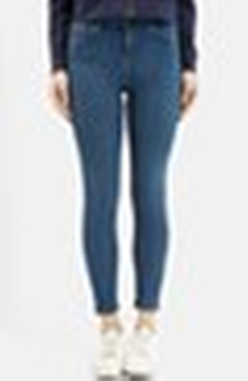 Moto 'Jamie' High Rise Skinny Jeans by Topshop in Pretty Little Liars - Season 6 Episode 7