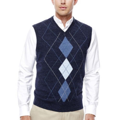 Argyle Sweater Vest by Dockers in Scream Queens - Season 1 Episode 4