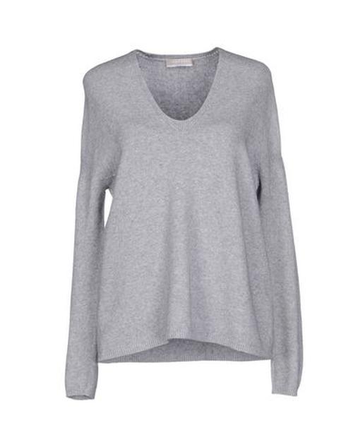 V Neck Sweater by Stefanel in Jessica Jones - Season 1 Episode 1