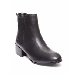 Jodpher Leather Chelsea Boots by Steve Madden in Chelsea