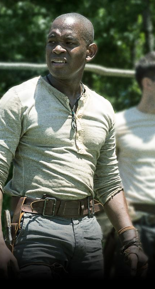 Custom Made Leather Utility Belt by Christine Bieselin Clark and Simonetta Mariano (Costume Designer) in The Maze Runner