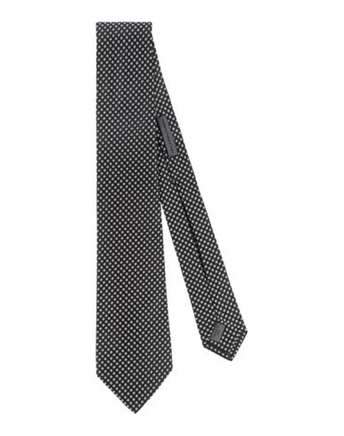 Checked Tie by John Varvatos in House of Cards