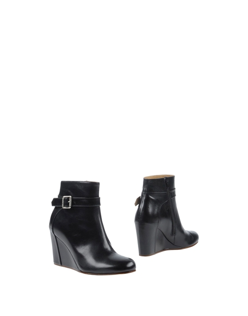 Ankle Boots by MM6 by Maison Margiela in Pretty Little Liars