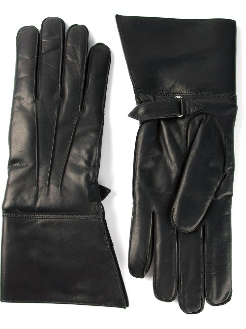 Moto Style Gloves by Raf Simons in Sherlock Holmes: A Game of Shadows