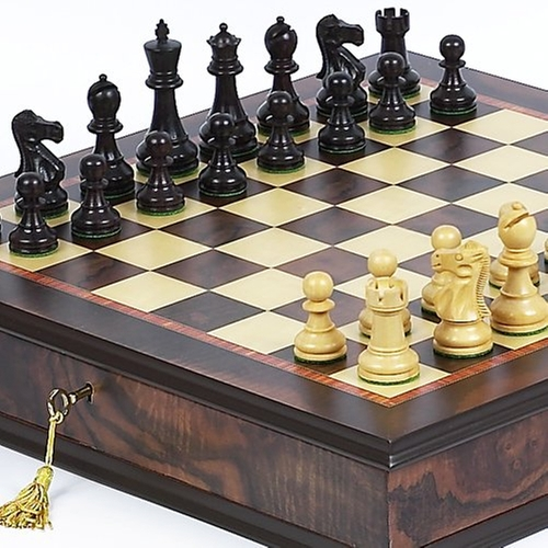 Prince Staunton Rosewood Chesmen & Milano Chess Italian Cabinet Board by Bello Games New York Inc. in A Good Day to Die Hard
