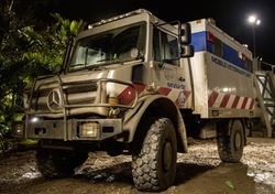 Custom Made Mobile Veterinary Truck by Mercedes-Benz in Jurassic World