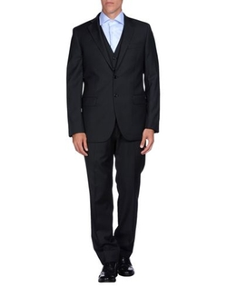 Wool Lapel Collar Suit by Cooperativa Pescatori Posillipo in The Living Daylights