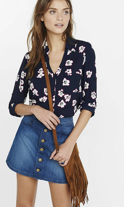 Outlined Flower Portofino Shirt by Express in Brooklyn Nine-Nine - Season 3 Episode 7