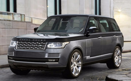 Range Rover SUV by Land Rover in Keeping Up With The Kardashians - Season 13 Episode 14