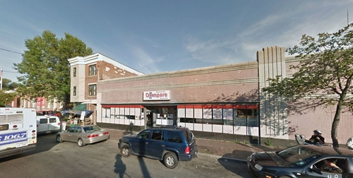 Compare Supermarket (Depicted As Bay Colony Super Market) Chelsea, Massachusetts in Ted