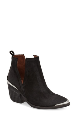 'Cromwell' Cutout Western Boots by Jeffrey Campbell  in Modern Family