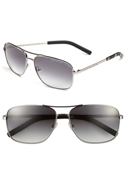 Aviator Sunglasses by Marc By Marc Jacobs in Wedding Crashers