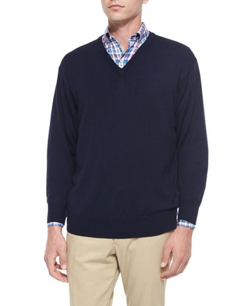 Merino Wool V-Neck Sweater by Peter Millar in Jessica Jones - Season 1 Episode 8