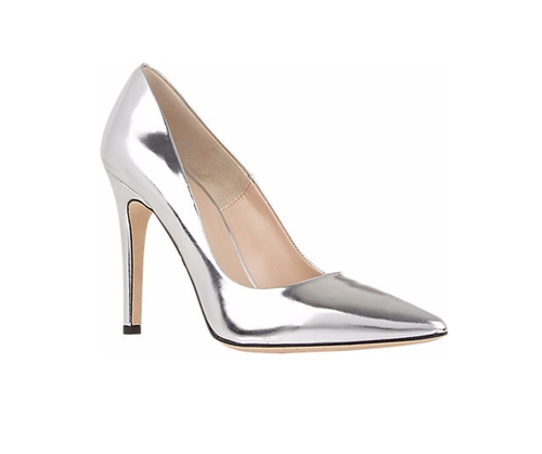 Viola Pumps by Barneys New York in Chelsea - Season 1 Episode 4